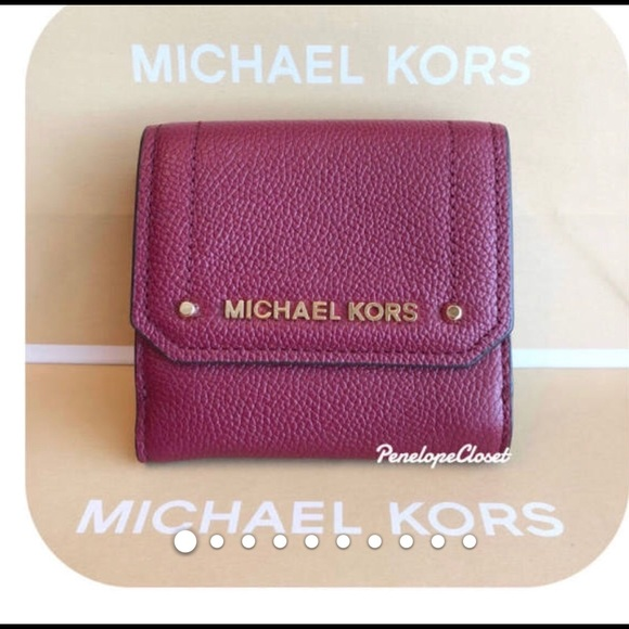 e2c5a7fbe072 MICHAEL Michael Kors Bags | Michael Kors Pebbled Leather Hayes Md ...
